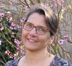 Karine, fondatrice de la communauté de tous ceux qui veulent aider leurs enfants à apprendre, progresser et réussir